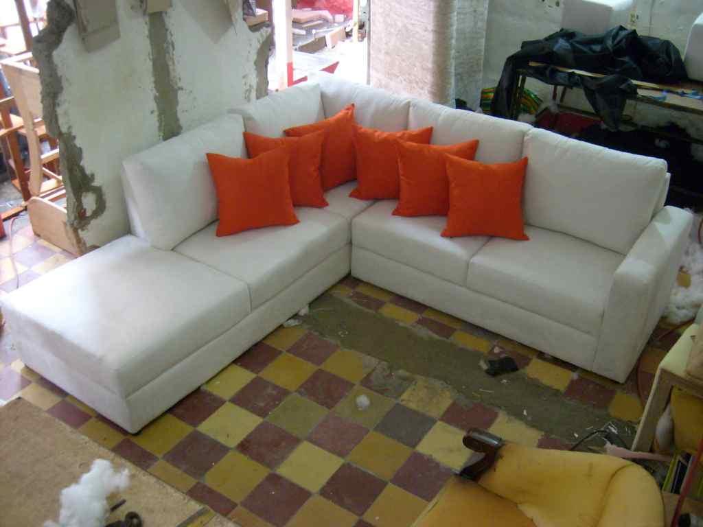 Sofas esquineros muebles modernos en medellin clasificados for Muebles sofas modernos