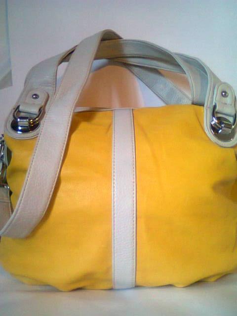 Carteras y bolsos importados eco cuero clasificados for Muebles importados uruguay